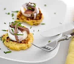 Potatiskaka med ägg och ansjovis (plockmat)