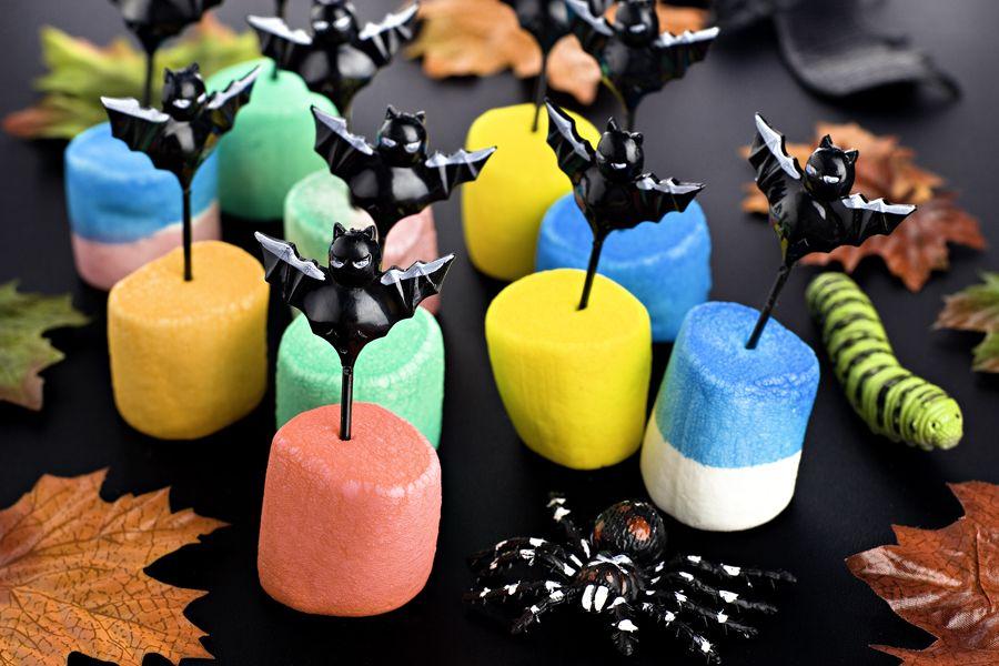 Färgade mashmallows till barnkalas