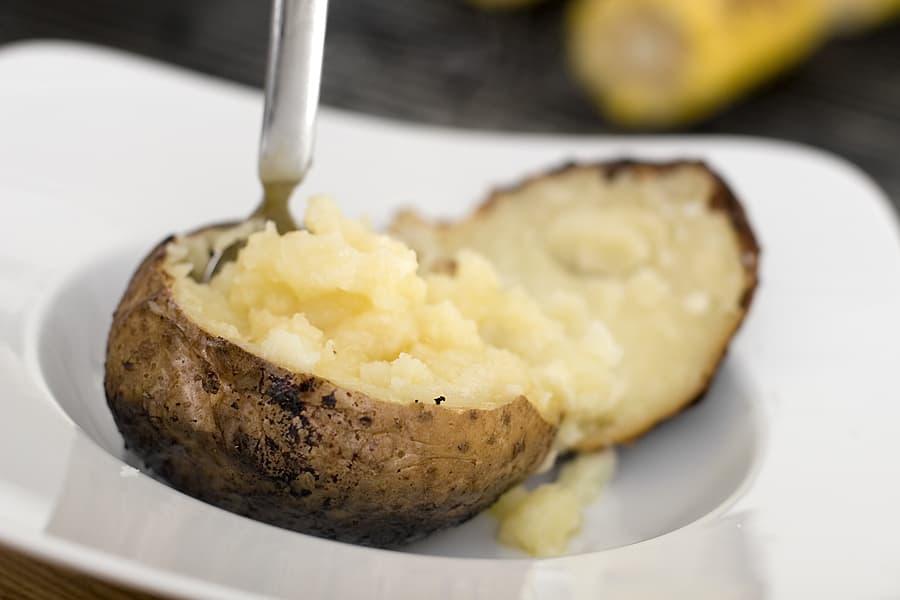 förkoka bakad potatis