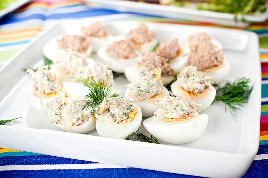 Ägghalvor med svampröra (plockmat)