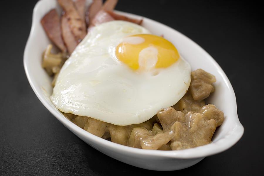 Bräckt skinka med ägg och skånsk potatis