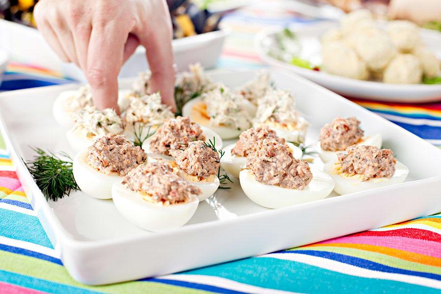 Ägghalvor med makrillsröra (plockmat)