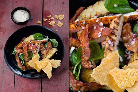 Matig sallad med kyckling, bacon och västerbottensost