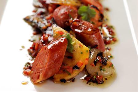 Chorizo med grillade rotfrukter och yoghurtdressing