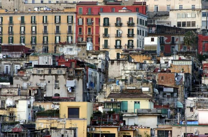 naples-spagnoli-gentrification-poor-neighbourhood