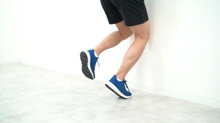 ふくらはぎの肉離れには片脚ヒールレイズ(膝関節屈曲位・遠心性収縮)リハビリが最適