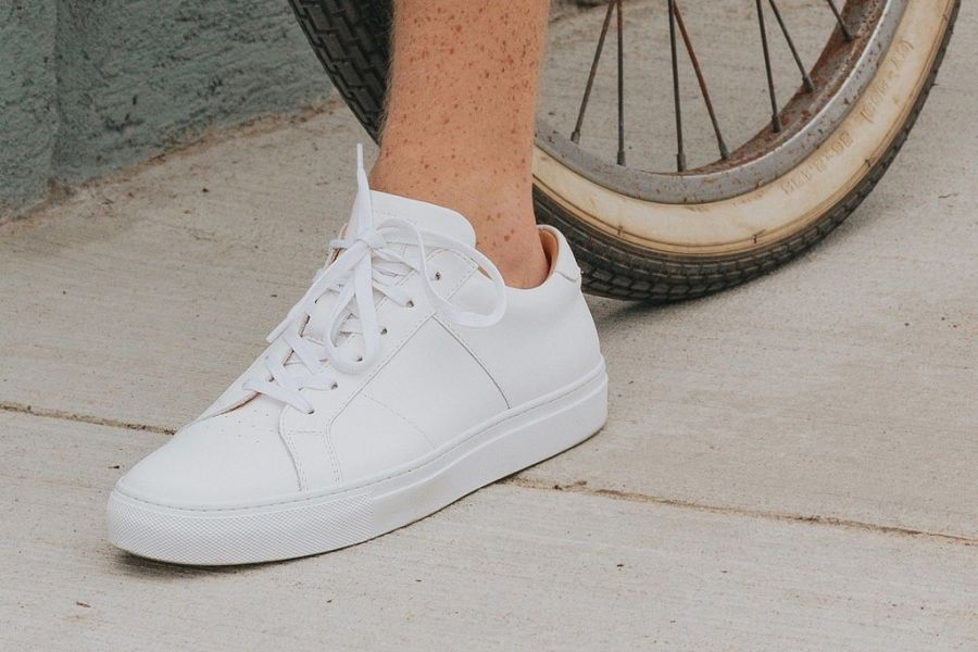 Steve Madden Acquires Greats, Allbirds Clothing Line, Virtual Home Remodel, Bezos Predictions, Yanks Field of Dreams, Tumblr's Fire Sale, Hard Seltzer Mocks Beer