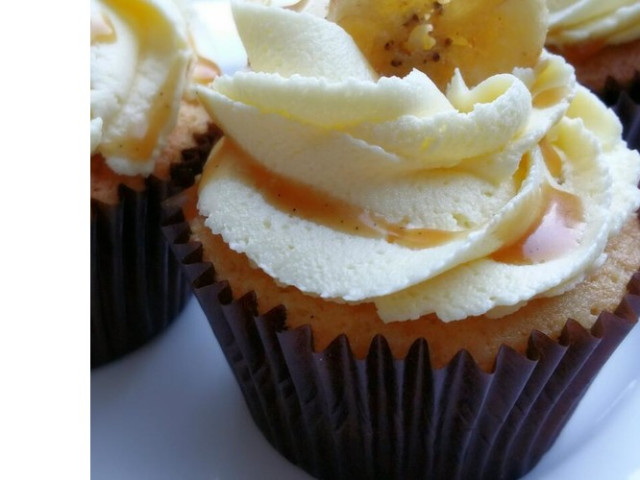 12 Bananarama Cupcakes Nakara