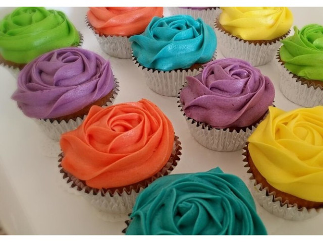 Electrics Old School Vanilla Cupcakes Nakara