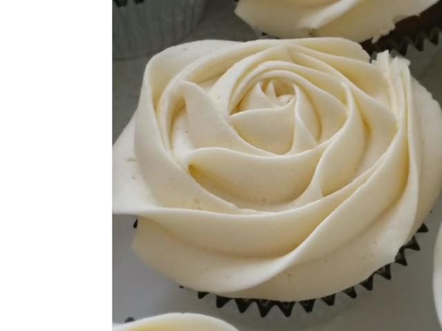 Gluten Free Old School Vanilla Cupcakes Nakara