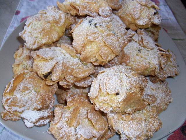 Almond Biscuits with Almond Flakes Newtown