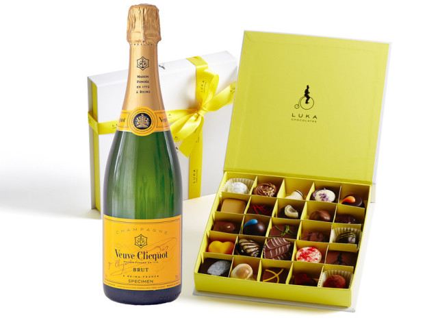 Veuve Cliquot and Gift Box 25 piece Wyong