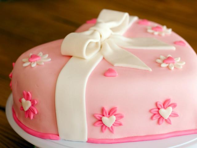 Heart Shaped Fondant Cake Oatlands
