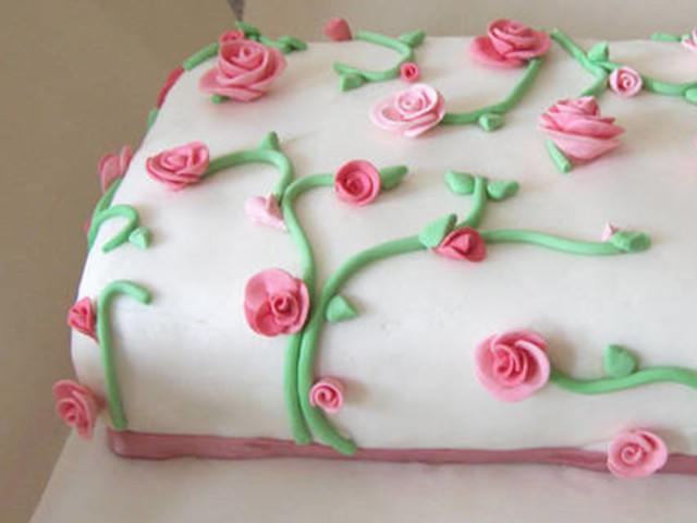 Rose Garden Fondant Cake  Oatlands