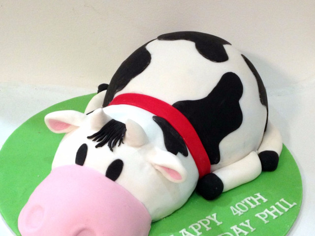 Cow 3D Birthday Cake Marrickville