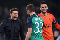 Pochettino says all Spurs are heroes