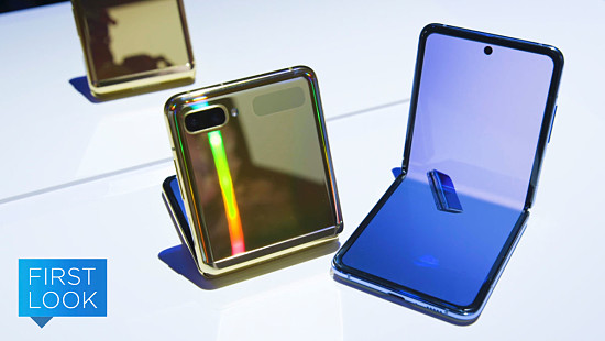 Samsung's%20Folding%20Phone%20Is%20the...