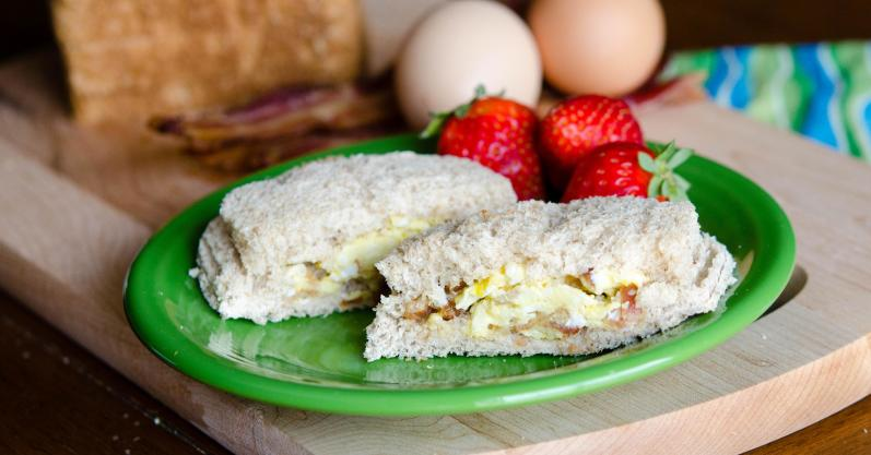 Bacon and Egg Uncrustables - Freezer meal recipe