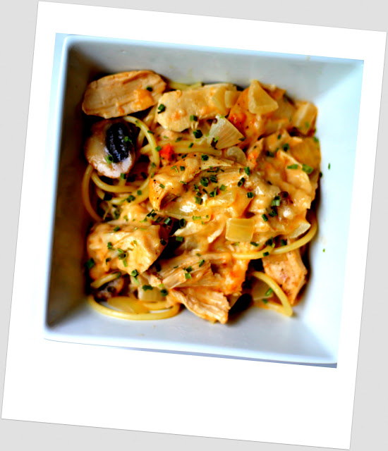 OAMM blog partner recipe - Crockpot Creamy Chicken Tetrazzini