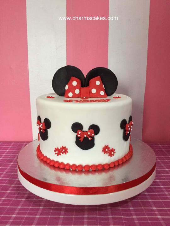Custom Cake Minnie Mouse Single Tier Charm S Cakes And Cupcakes
