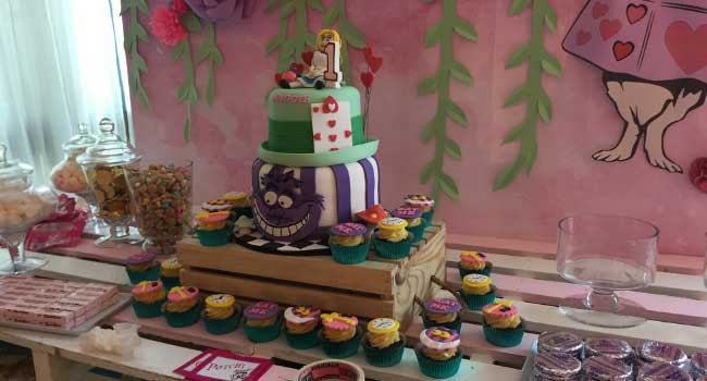 Buy the Best Customized Cakes Online | Charm's Cakes and Cupcakes
