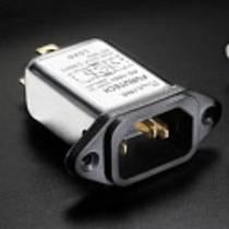 Furutech AC-1501 Kaltgeräteeinbaustecker mit 15 A Filter