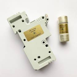 HiFi-Tuning Sicherungshalter 125A inkl. 22x58mm Schmelzsicherung 16A