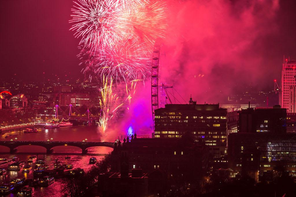 HLP_REM_170101_50327-1024x683 New Year Fireworks Spectacular