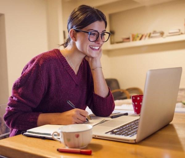 Introvert vs. Extrovert: Online Learning Strategies