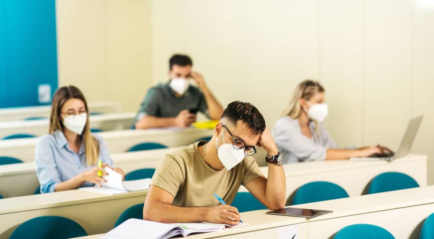 How Mandatory Face Masks Impact College Learning