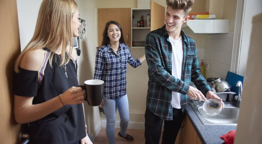 The Top 5 Benefits of Living on Campus