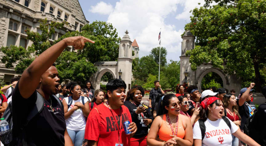 Golden Door Scholarship Connects Undocumented Students to College
