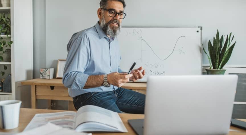 Preparing College Instructors to Teach Online
