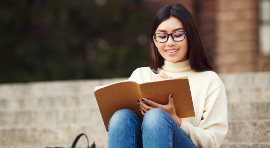 Finding Scholarships for College Students
