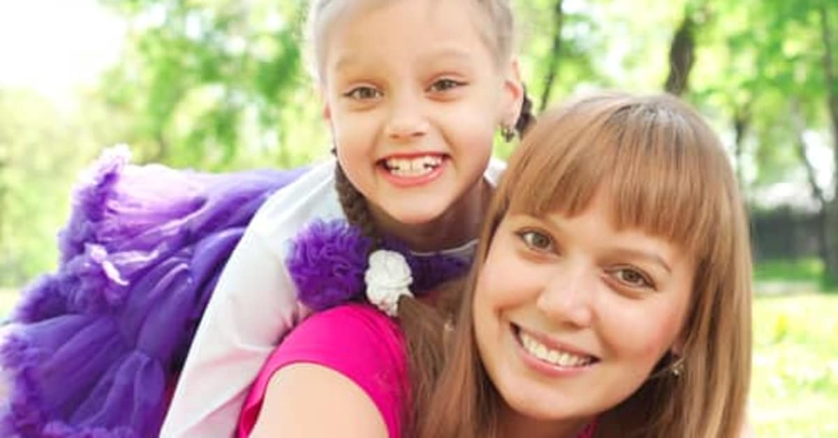 Scholarships for Single Mothers and Fathers | Best Colleges