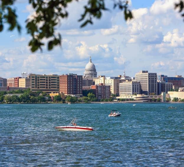 Hero Image - The Best Online Colleges in Wisconsin