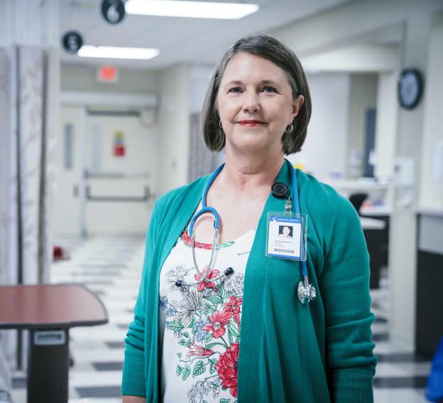 Hero Image - The 10 Best Online Associate in Healthcare Management Programs