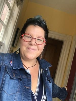 Portrait of Beth Niernberg, LMHC
