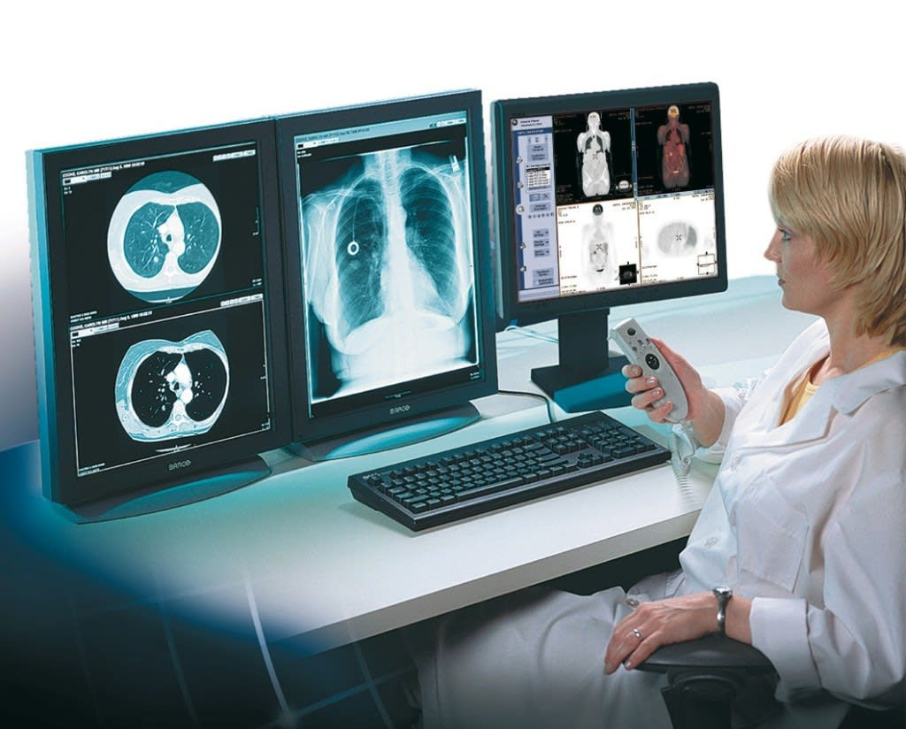 Top Accredited Campus & Online Radiology Technician Schools for 2018