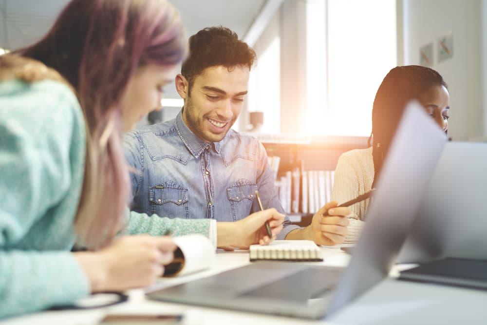 Best online master 39 s in graphic design programs of 2018 - Interior design psychology degree ...