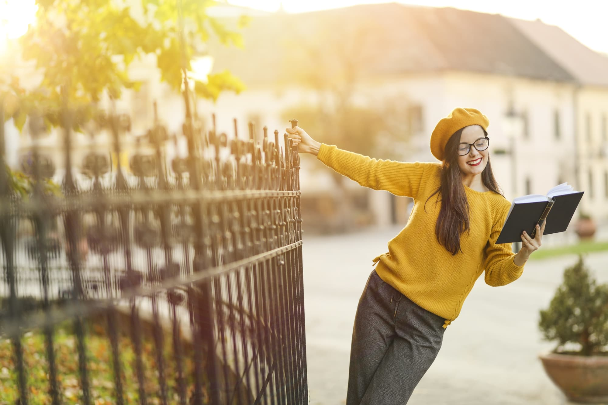 How to Study Abroad | BestColleges