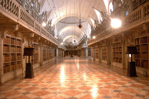 10-Mafra-National-Palace-Library-Mafra-Portugal