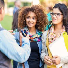Guía universitaria para estudiantes indocumentados y con DACA