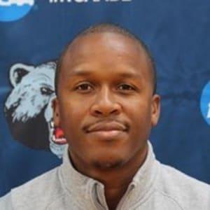 Image of Coach Darius Bryson
