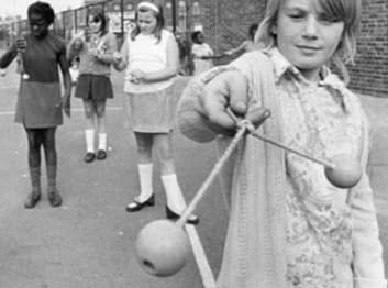 9 Fads That Were Banned From Schools