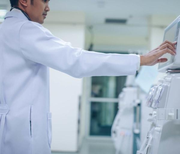 Dialysis Nurse Career Overview