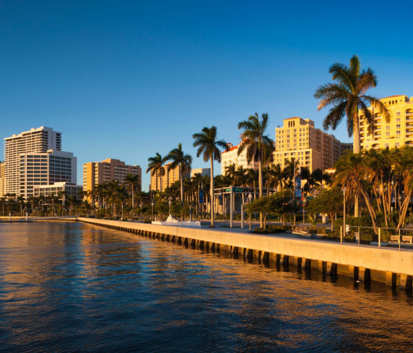 Become an RN in Florida: Requirements, Licensing, and Employment Outlook