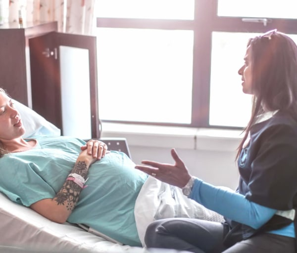Nurse Midwife vs. Doula: Choosing Between the Two