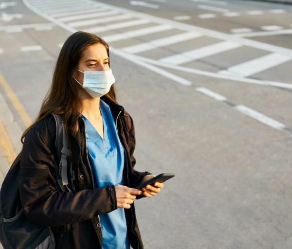 How to Become a Travel Nurse