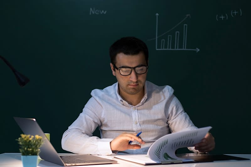 Hero Image How to Become a Chartered Financial Analyst (CFA)